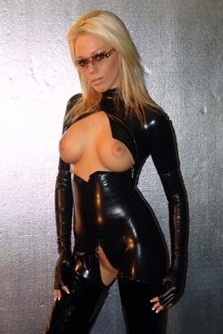 Latex catsuit met open te ritsen decollete